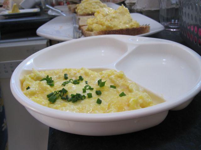 how to make proper scrambled eggs